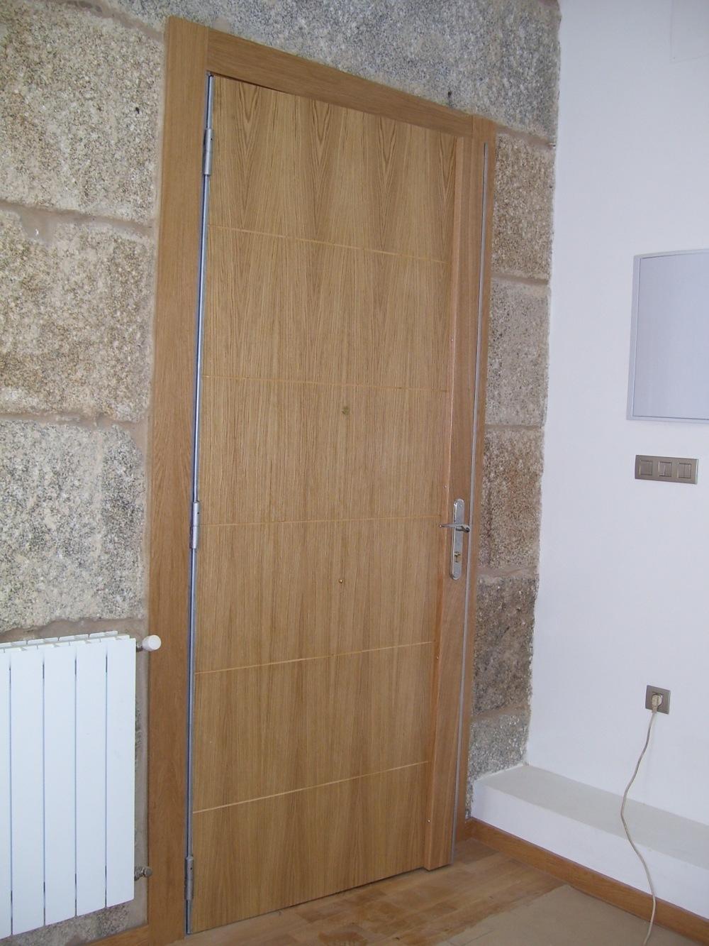 Puertas blindadas en ourense ucha y n voa for Puertas blindadas
